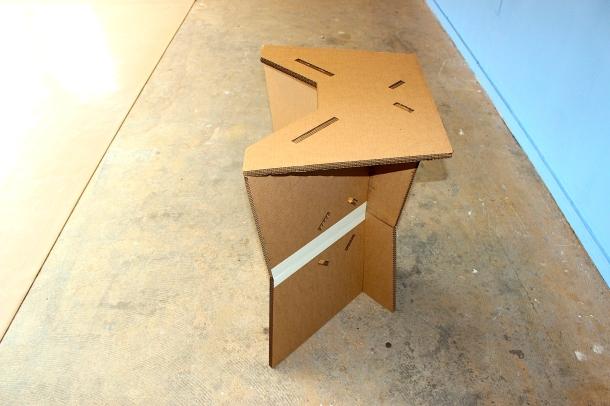 alterpodium cardboard solo